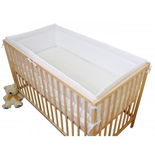 Biały ochraniacz na łóżeczko dziecięce