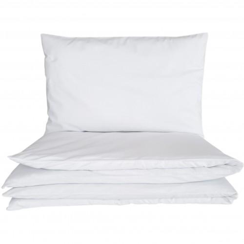 Białe poszewki do łóżeczka